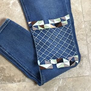 Miss Me Embroidered Denim Skinny Jeans NWT